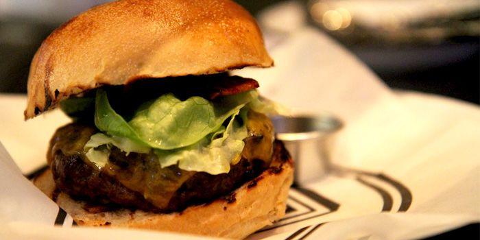 Cheeseburger, Beef & Liberty (Shanghai Center), Shanghai, China