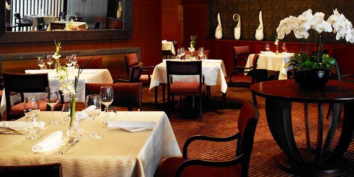Dining Area of Daccapo Italian Restaurant in Wangfujing, Beijin