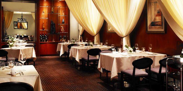 Interior of Daccapo Italian Restaurant in Wangfujing, Beijing