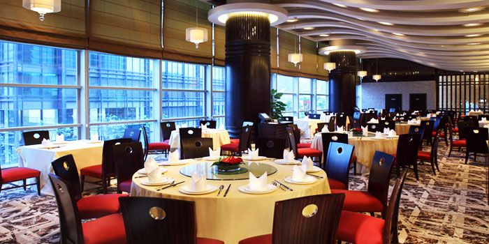 Interior of Suntime Century Chinese Restaurant in Grand Kempinski Hotel Shanghai, Pudong, Shanghai