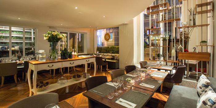 Indoor of Epices & Foie Gras Located in People