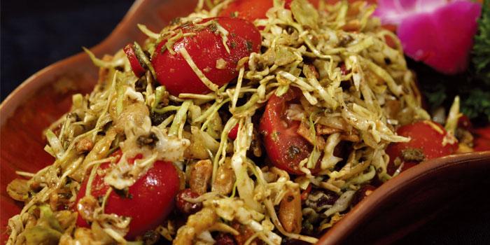 Burmese tea leaves salad of Lost Heaven located on Gaoyou Lu