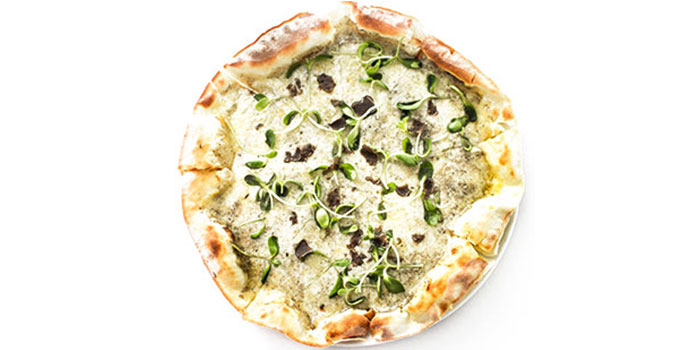 Pizza of Isola Italian Bar + Grill located in Pudong, Shanghai