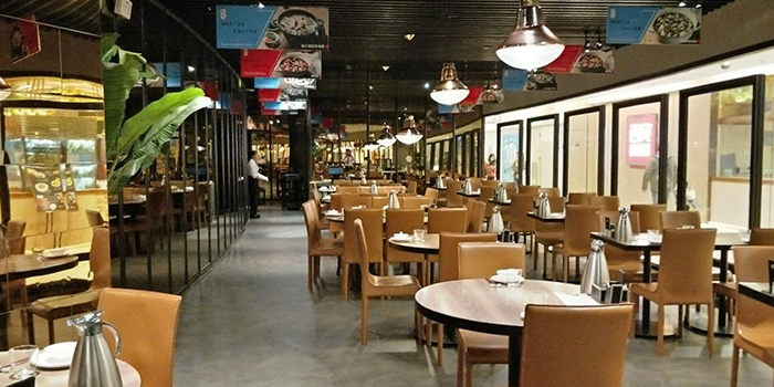 Dining Area of Tian La Green Fashion Restaurant (SML Center) located in Huangpu, Shanghai