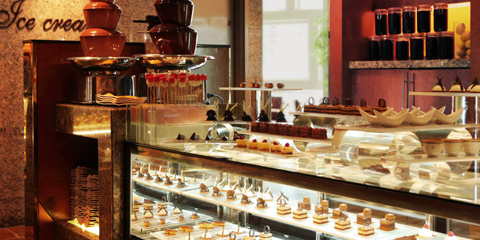 Dessert Station of Yi Cafe (Shangri-La Pudong) located in Pudong, Shanghai