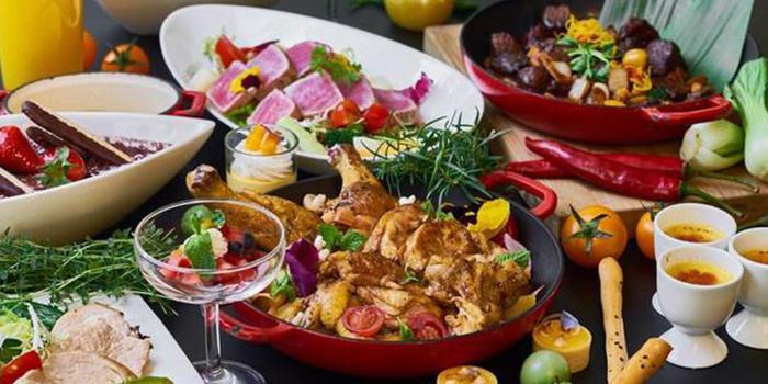 set of Grand Brasserie cated on ZhongShan Dong Yi Lu, Huangpu, Shanghai