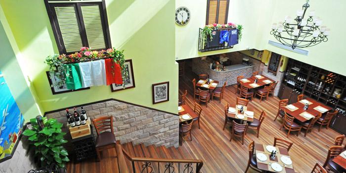 Indoor of Bella Napoli (Nanhui Lu) in Jingan, Shanghai
