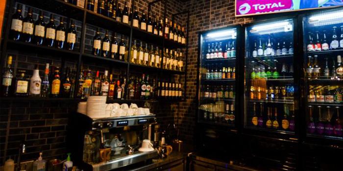 Indoor of KIWIANA Sports Bar & Kitchen located in Xuhui, Shanghai
