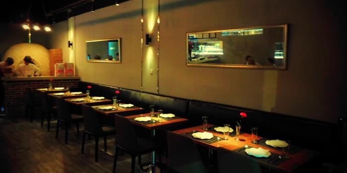 Indoor of Jstone. Italian Kitchen & Bar (Hongmei Lu) located in Changning, Shanghai