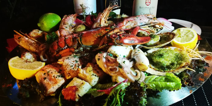 Seafood of Seve Restaurant located in Jing