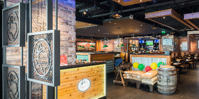 Indoor of Texas Roadhouse located in Pudong, Shanghai