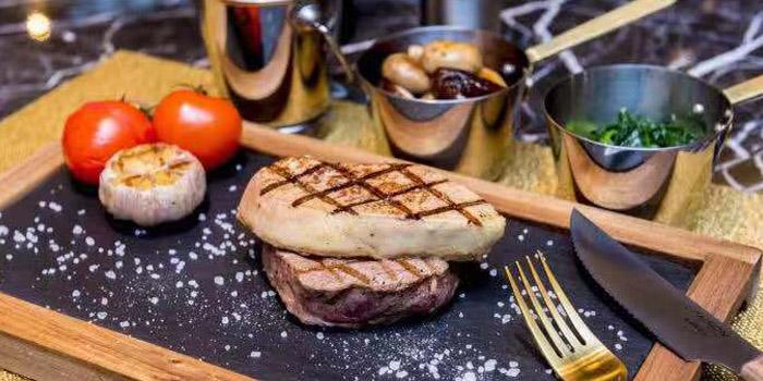 Beef of 500 Restaurant & Bar (Indigo Hotel)