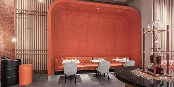 Indoor of CRAFT Café (Hotel Indigo Shanghai Hongqiao) located in Minhang, Shanghai