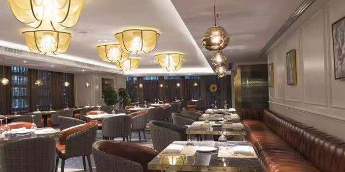 Indoor of 500 Restaurant & Bar (Indigo Hotel)