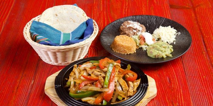 Fajitas of Pistolera Mexican Cantina (Nanyang Lu) located in Jing