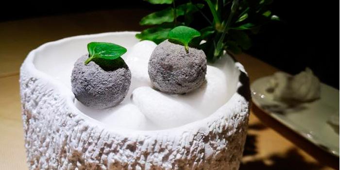 Dessert of TERRA located in Jing