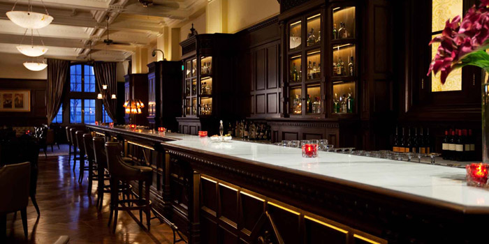 Bar of Long Bar (Waldorf Astoria Shanghai on the Bund) located in Huangpu, Shanghai