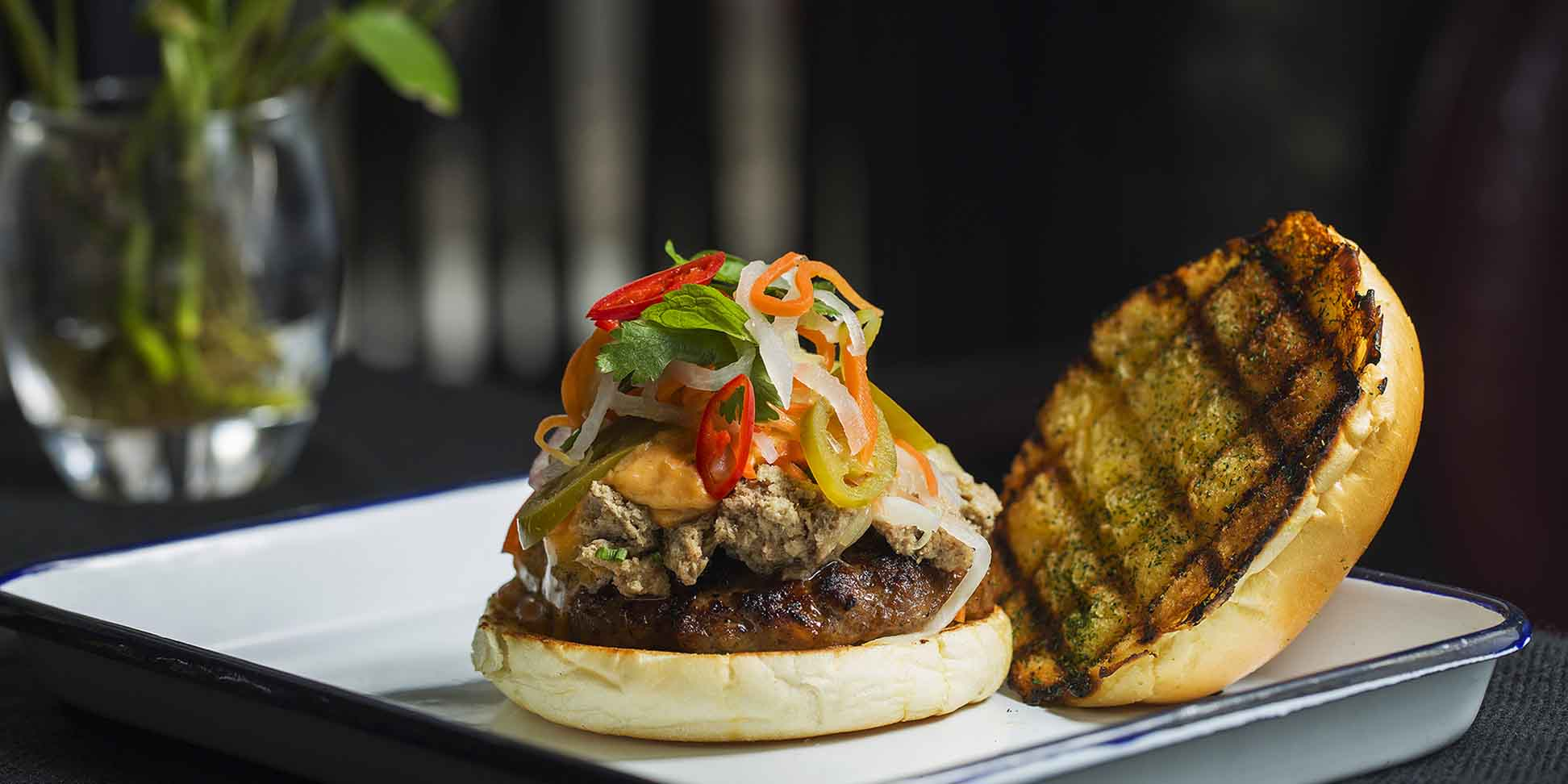 Burger of The Bull and Claw located in Xuhui, Shanghai