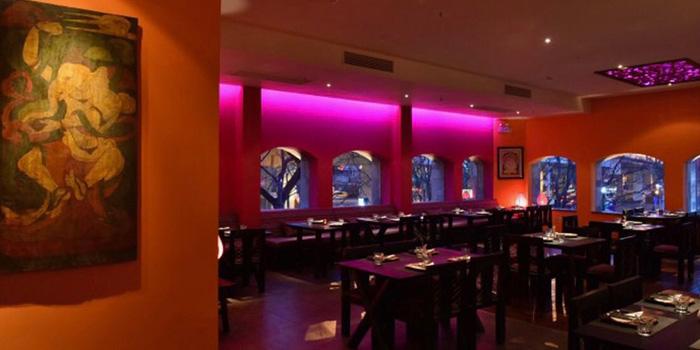 Indoor of of Vedas Tandoori located at Hongqiao International Pearl