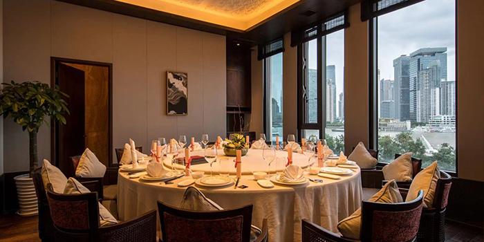 Indoor of Siya Cuisine located Hotel Indigo Shanghai On The Bund
