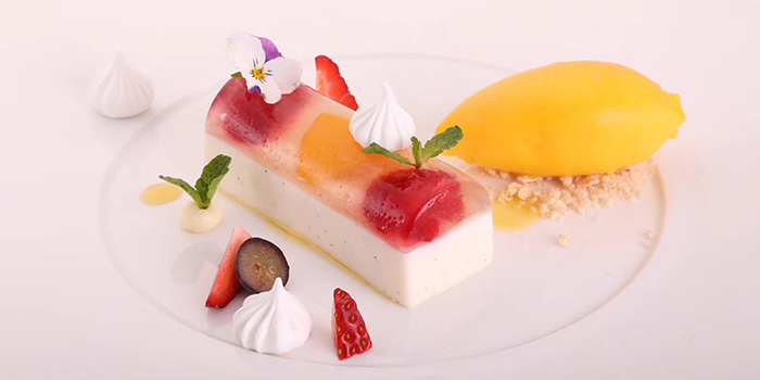 Dessert of LAGO by Julian Serrano located in Hongkou, Shanghai
