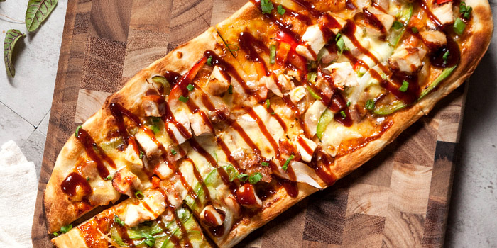 Chicken Pizza of  WORLD OF BEER (Fumin Lu) located in Jing