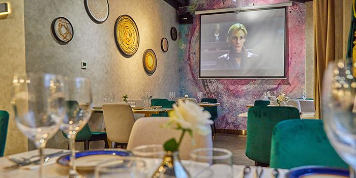 Indoor of Chez Louis located in Jing