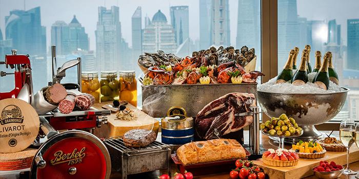 Sunday Brunch of VUE Restaurant in The Bund, Shanghai