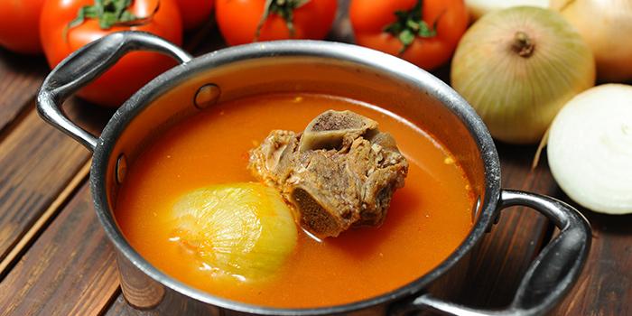 Tomato broth from Qimin Organic Hotpot Marketplace (Takashimaya) located in Changning, Shanghai