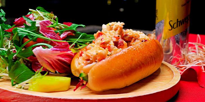 Lobster Roll of Bistro Burger