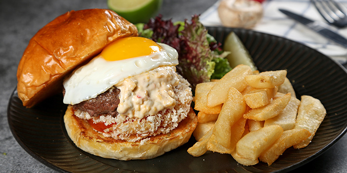 Burger of WORLD OF BEER (Century Link Mall) located located in Pudong, Shangha