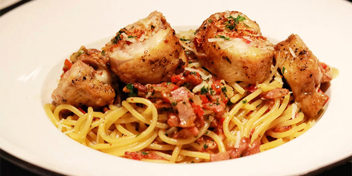 Chicken Leg Wrap Spaghetti of Crafted by Bistro Burger