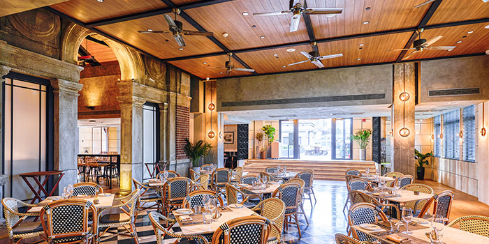 Indoor of ROOF 325 Restaurant & Bar located in Huangpu, Shanghai