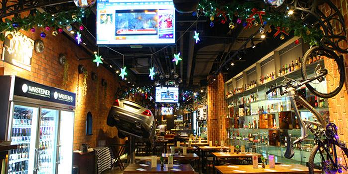 Indoor of 1886 Restaurant & Bar (Shiliupu Marina) located in Huangpu, Shanghai, China