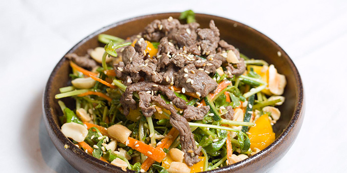 Salad of Indoor of Fat Cow (Lujiazui) located in Pudong, Shanghai