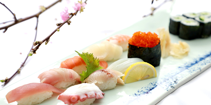 Sushi of Mi Teppanyaki and Sushi Lounge (Four Seasons Hotel Pudong, Shanghai) located in Pudong, Shanghai
