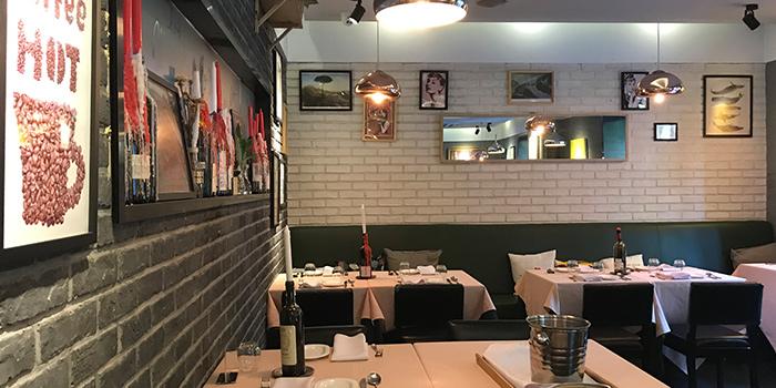 Indoor of MOLO9 + Italian bistro located in Minhang, Shanghai