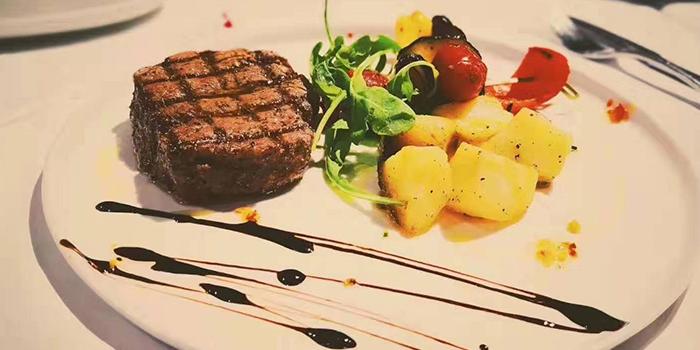 Steak of MOLO9 + Italian bistro located in Minhang, Shanghai
