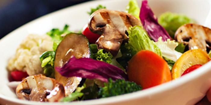 Salad of delimuses & Magpie bar located in Jing