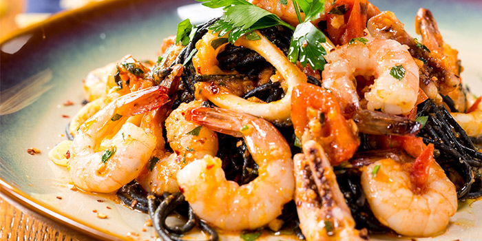 Squid Ink Pasta of delimuses & Magpie bar located in Jing