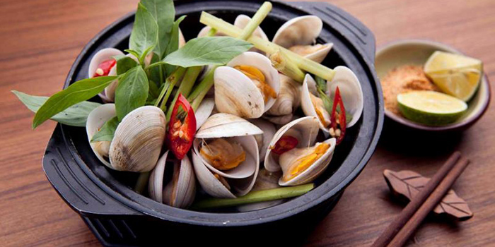 Clams of Pho To Shop by Cyclo located in Jing