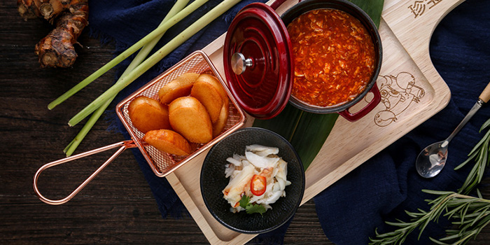 Lazyman Chilli Crab with Deep-fried Buns from JUMBO Kitchen (Raffles City) located in Huangpu, Shanghai