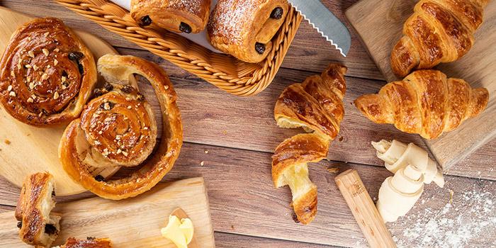 Bread of eat n work located in Lujiazui, Pudong, Shanghai