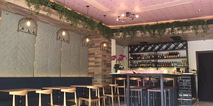 Indoor of PERCH·WINE·COCKTAILS located in Jing