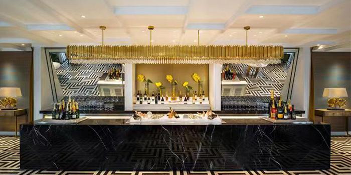 Indoor of BESPOKE Modern Bar & Grill (The St. Regis Shanghai Jing