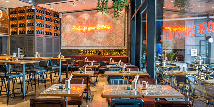 Indoor of The Battery New York Eatery located in Pudong, Shanghai