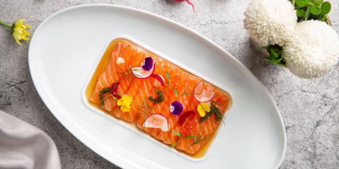 Salmon of seul & SEUL located on Shimen Yi Lu, Jing